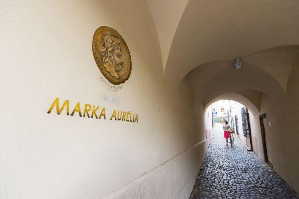 Maľované názvy ulíc - ulica Marka Aurélia